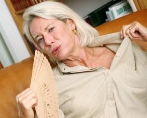 Женщины в возрасте 50 лет и в период климакса подвержены гипергидрозу